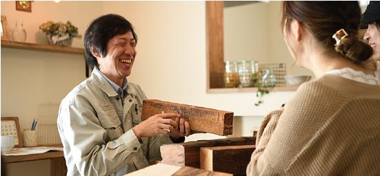 浜松市の工務店でエコーアートの契約前打合せ写真