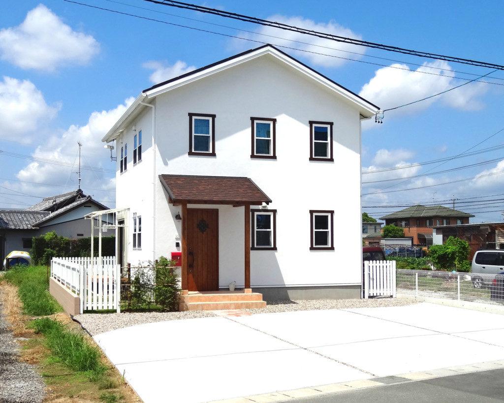浜松市で輸入住宅はエコーアートが施工したママンの家の外観写真