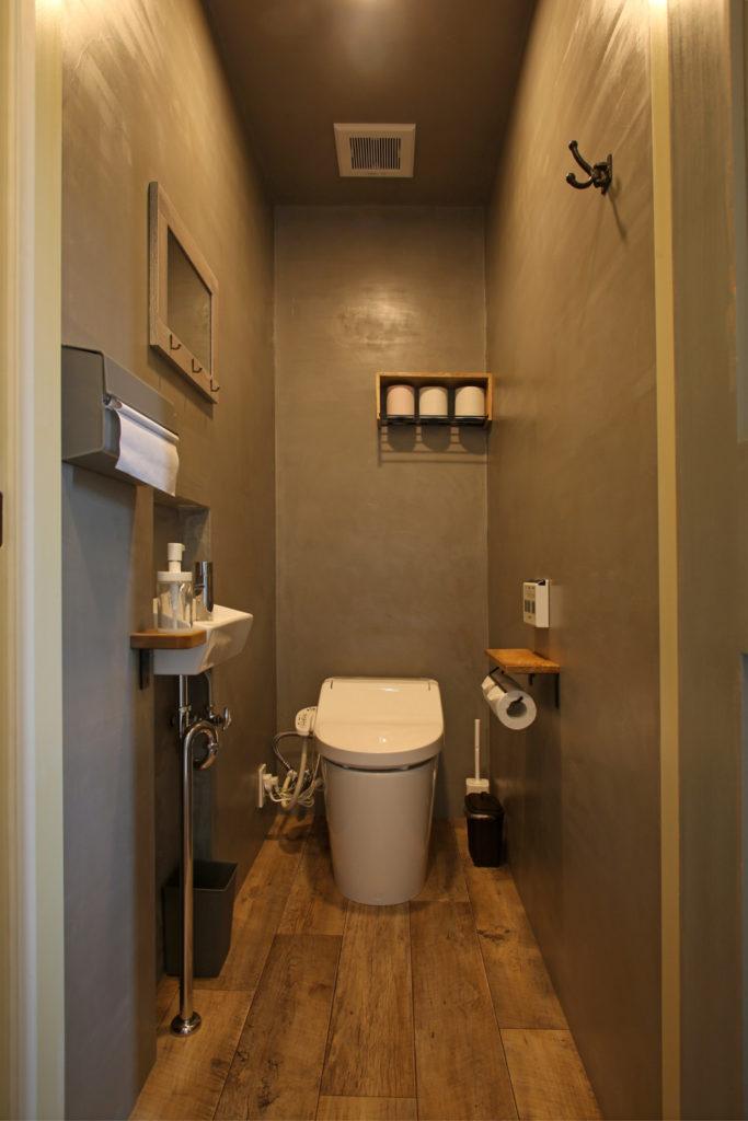 浜松市西区に建つイタリアンレストラン Kitchen Luceのトイレ写真