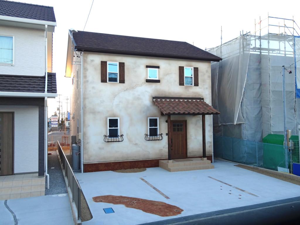 浜松市で輸入住宅はエコーアートの古めかしい外観写真