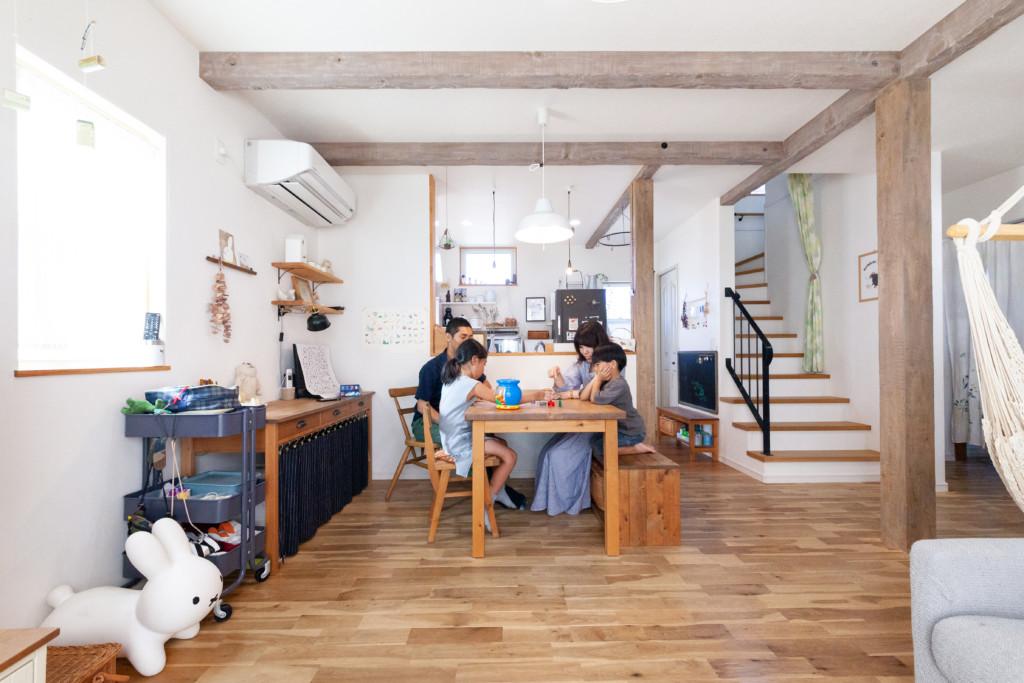 浜松市の注文住宅会社で建てた東区O様邸のリビング写真