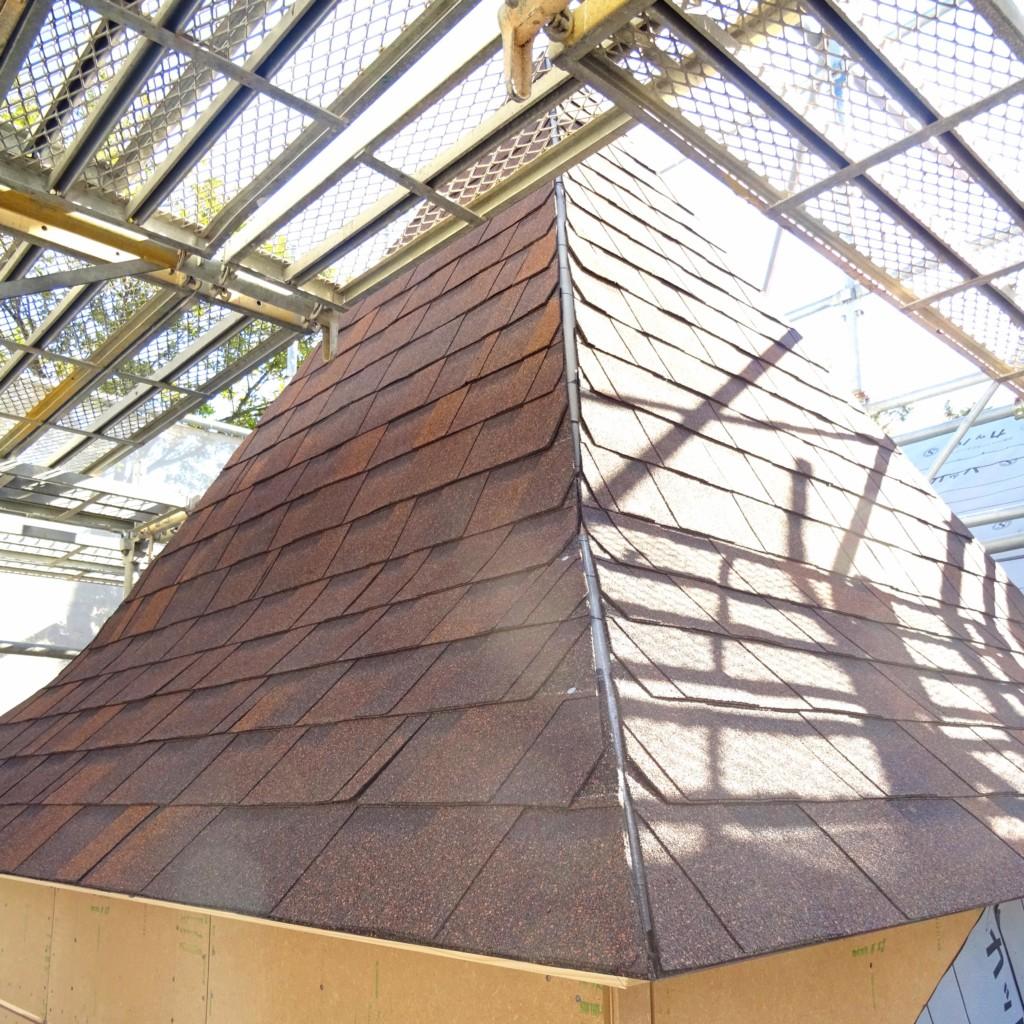 浜松市で塔がある家が得意なエコーアートが撮影した塔を斜めから見た写真