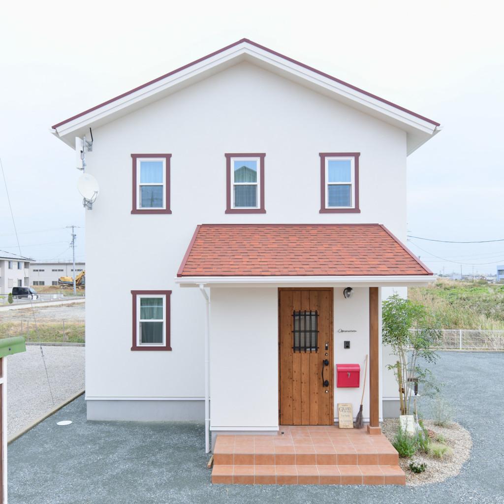 浜松市の注文住宅会社のエコーアートが建てたママンの家の外観写真