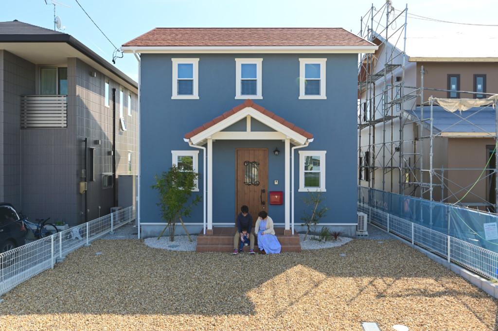 浜松市の注文住宅会社のエコーアートが建てたカラフルママンの外観写真