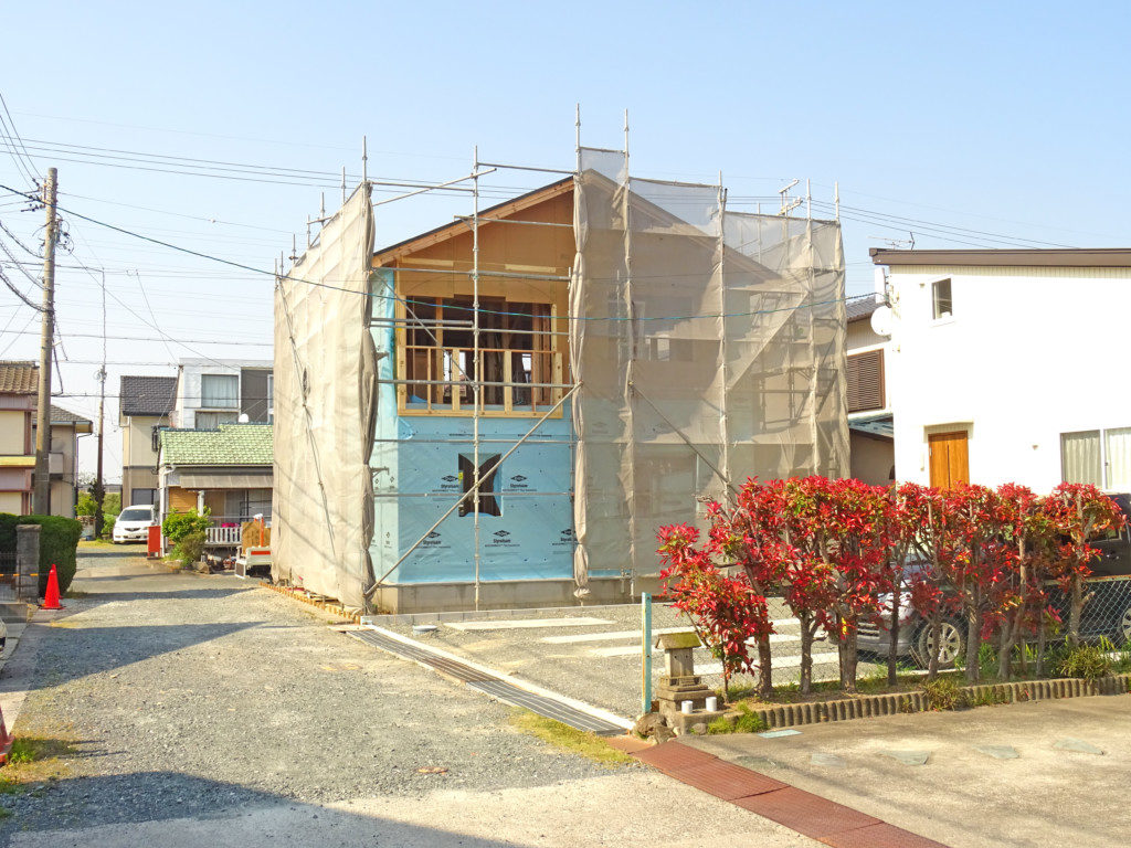 浜松市の注文住宅会社のエコーアートが施工するアーチ壁施工写真