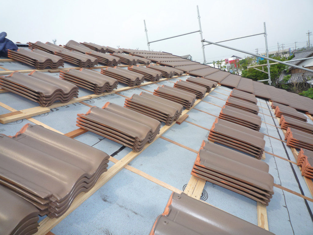 浜松市でメンテナンスが掛かりにくい家を造っているエコーアートの屋根瓦の写真