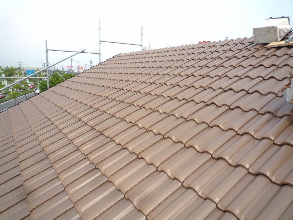 浜松市でメンテナンスが掛かりにくい家を造っているエコーアートの屋根瓦の全景写真