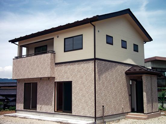 浜松市でメンテナンスが掛かりにくい家を造っているエコーアートのサイディング張りの写真