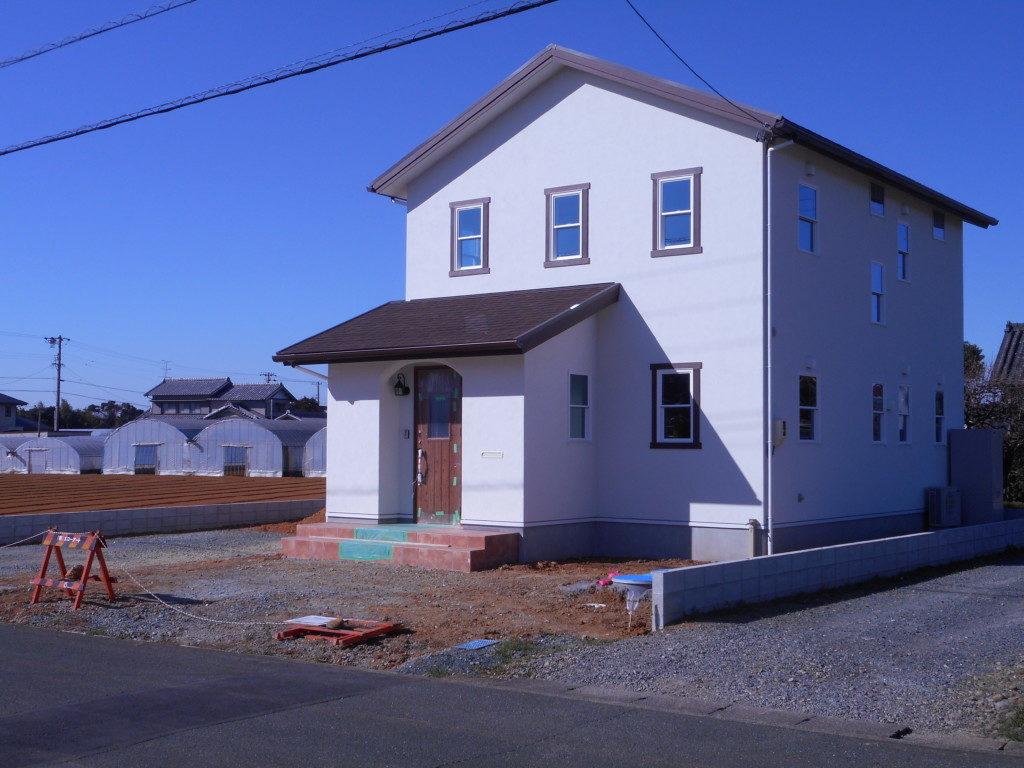 浜松市のデザイン住宅でエコーアートが施工した外構工事前の外観写真