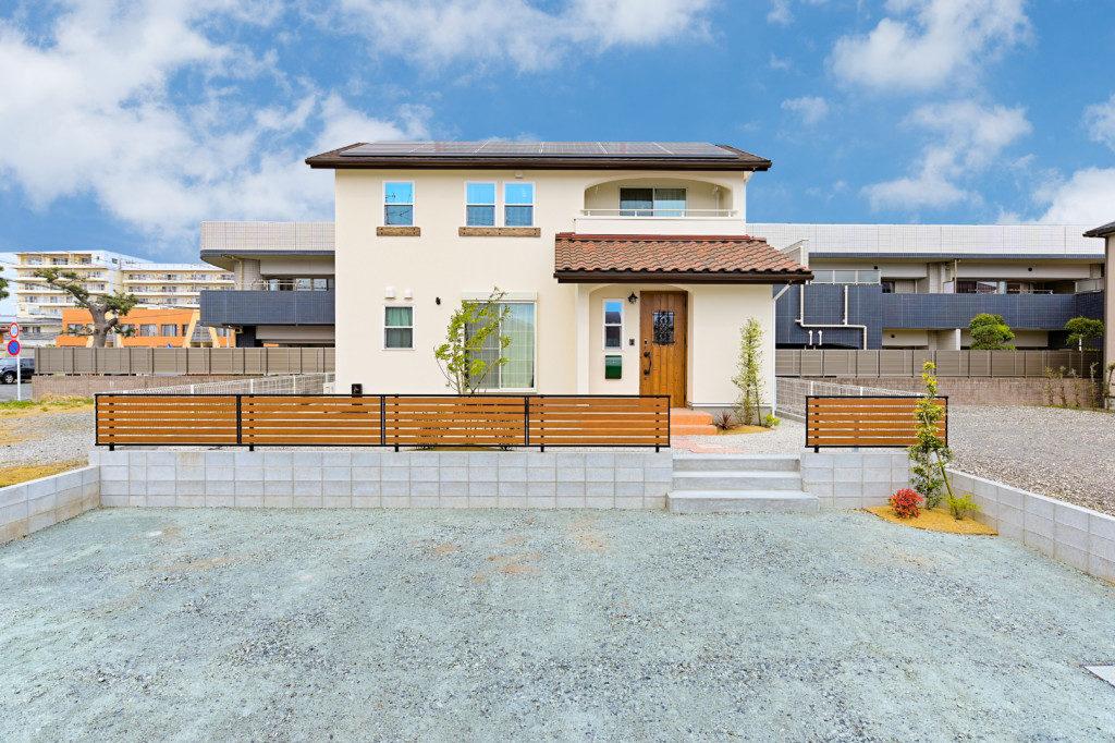 浜松市のデザイン住宅でエコーアートが施工したゼロエネルギー住宅の外観写真