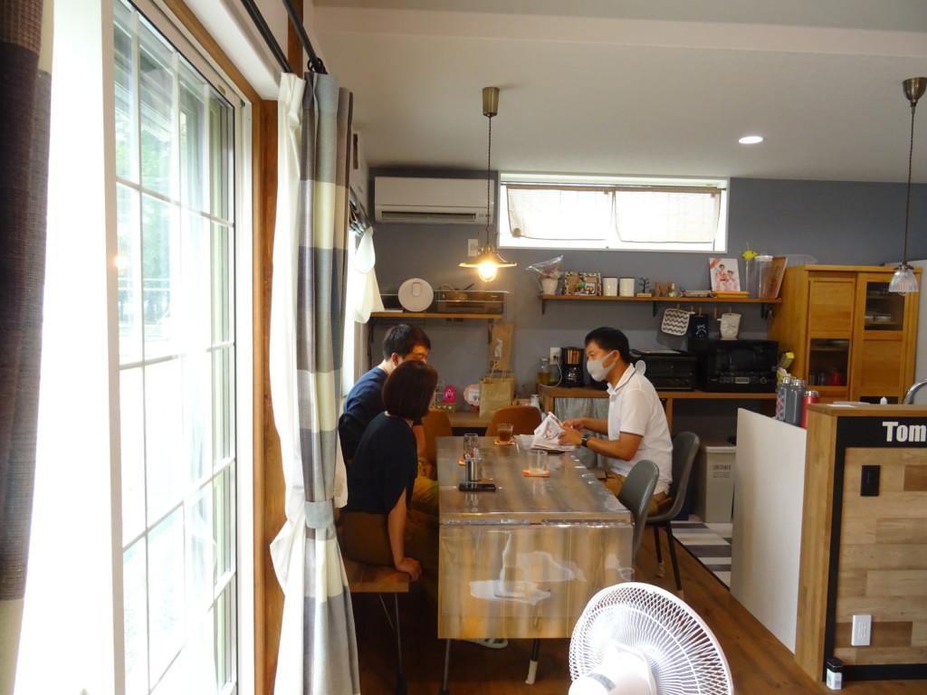 浜松市の注文住宅会社のエコーアートが行うお施主様インタビュー写真