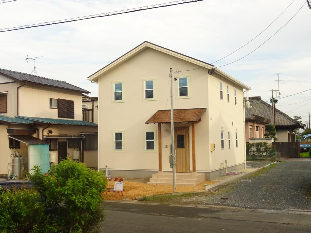 浜松市の注文住宅会社のエコーアートが建築中の90%完了外観写真