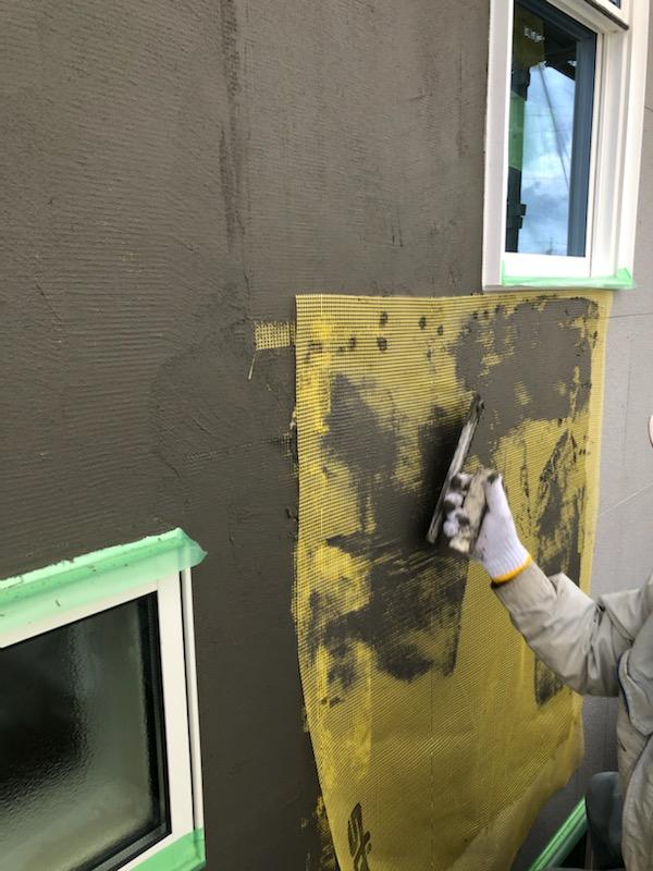 浜松市の注文住宅会社のエコーアートの塗り壁下地処理写真