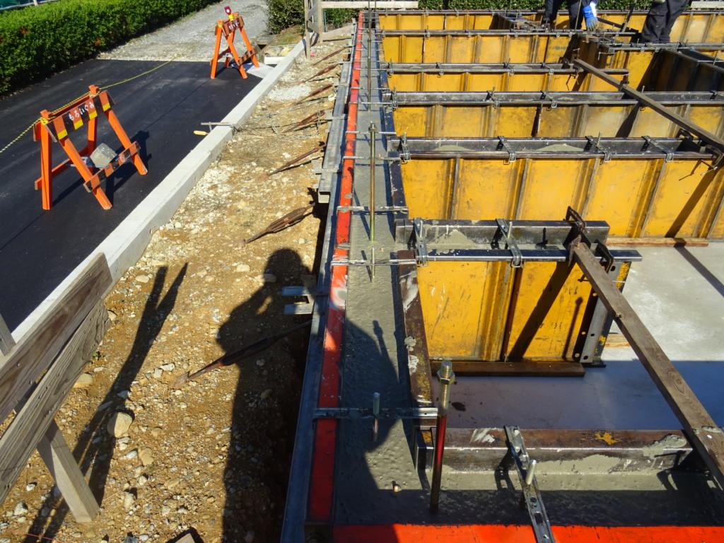 浜松市の注文住宅会社のエコーアートが行う基礎立ち上がりコンクリート打設の写真