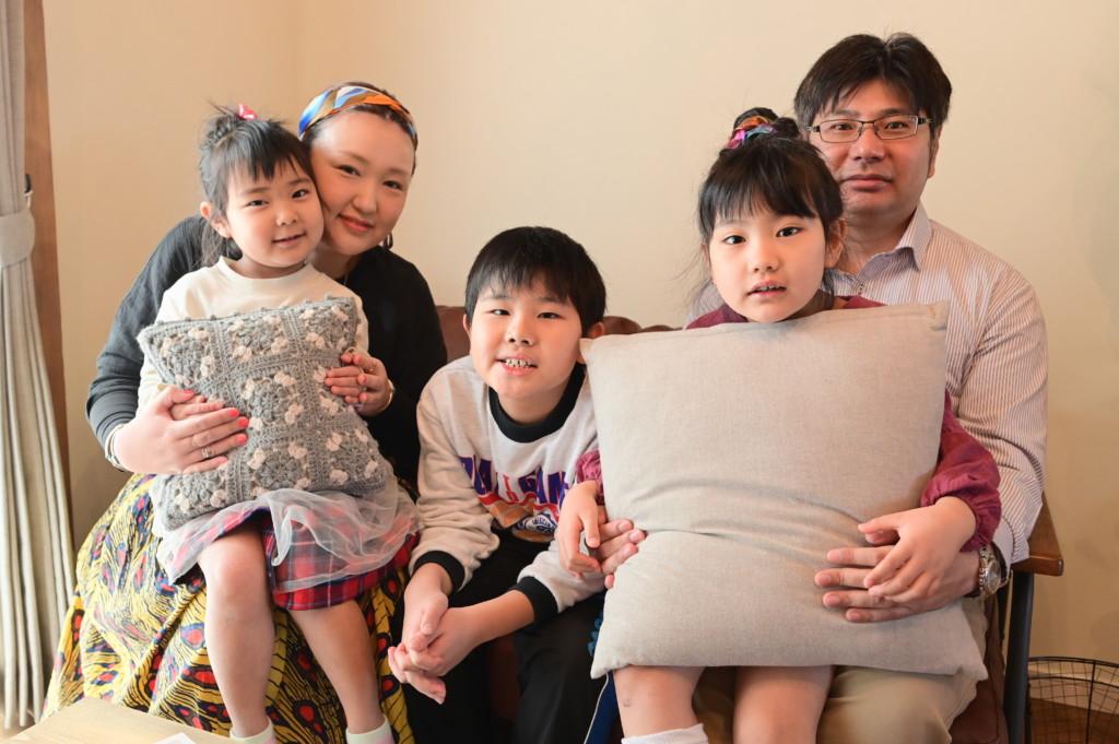 浜松市の注文住宅会社のエコーアートが建てたY様ご家族写真