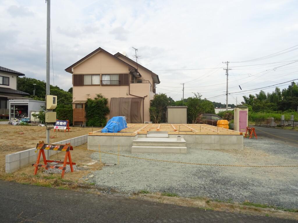浜松市に注文住宅会社の工務店のエコーアートが行った土台施工写真